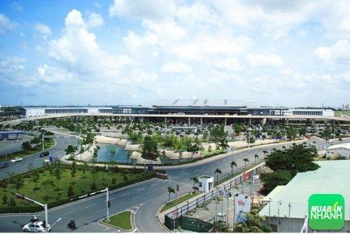 Sân bay nằm ngay trong thành phố - Ảnh sưu tầm.